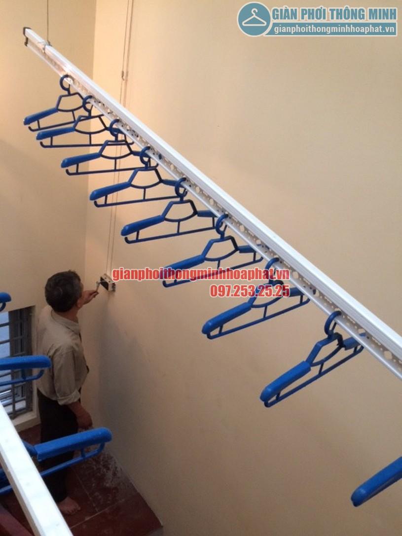 Lắp đặt giàn phơi thông minh trên giếng trời nhà anh Thế Ba Đình, Hà Nội-02