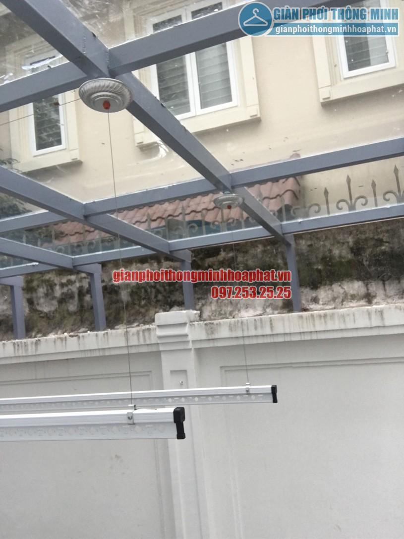 Các bát giàn phơi được cố định tại thanh ngang mái trần -01