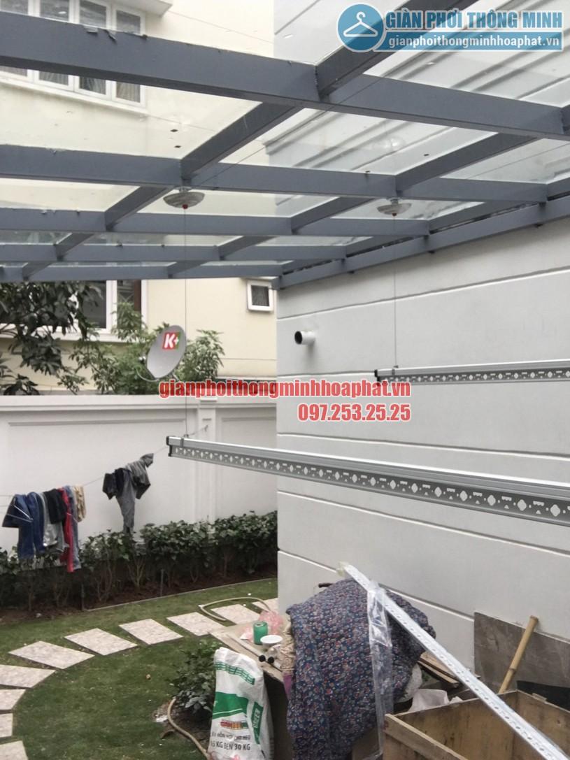 Các bát giàn phơi được cố định tại thanh ngang mái trần -02
