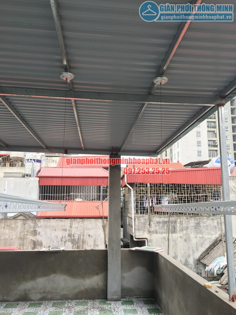 Lắp giàn phơi thông minh trên nền trần mái tôn nhà chị Minh ngõ 7, Tô Hiệu, Hà Đông-01
