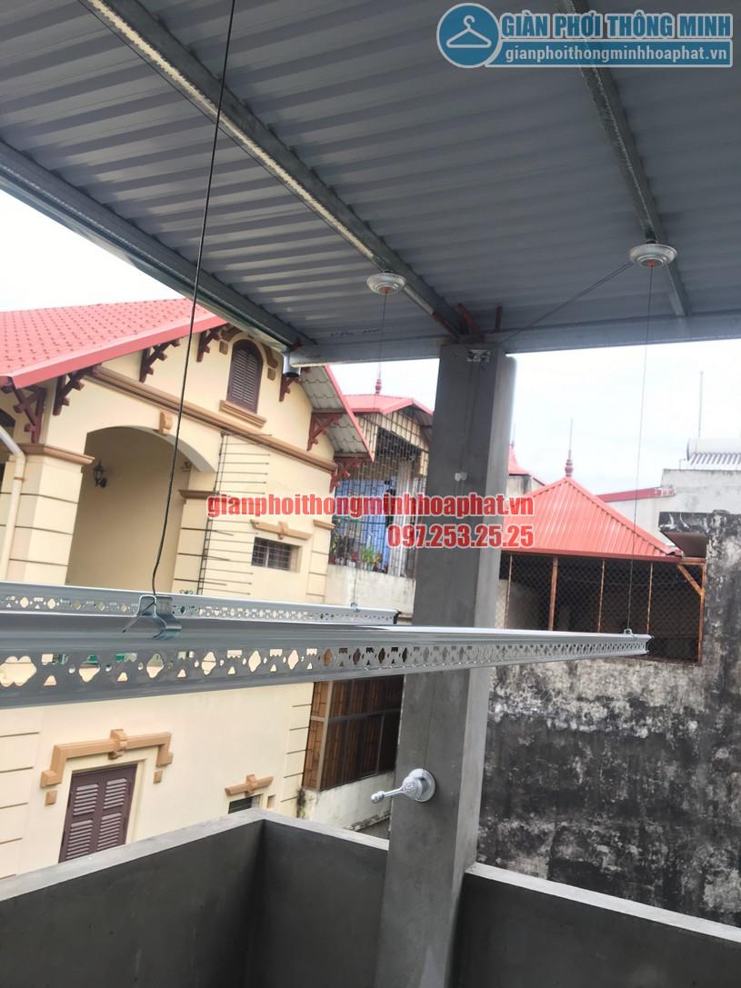 Lắp giàn phơi thông minh trên nền trần mái tôn nhà chị Minh ngõ 7, Tô Hiệu, Hà Đông-05