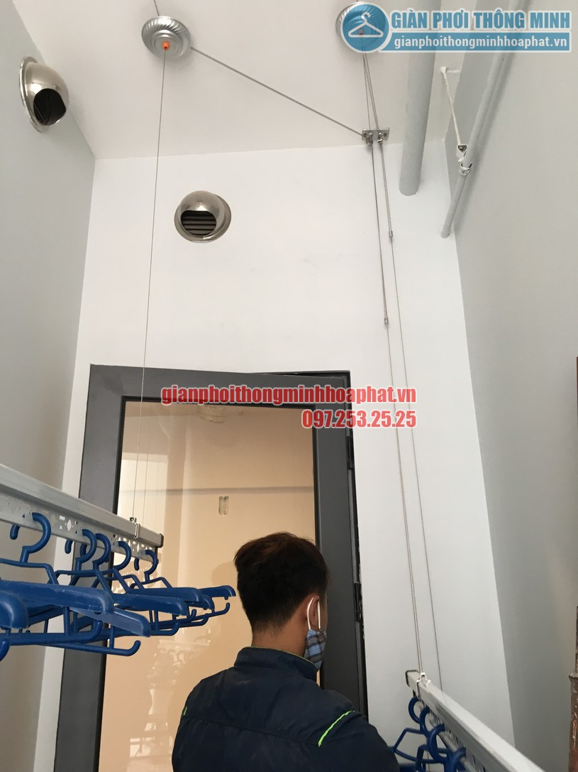 Lô gia thoáng đẹp nhờ lắp giàn phơi nhà anh Dự tầng 7, chung cư CT3 Gamuda-03