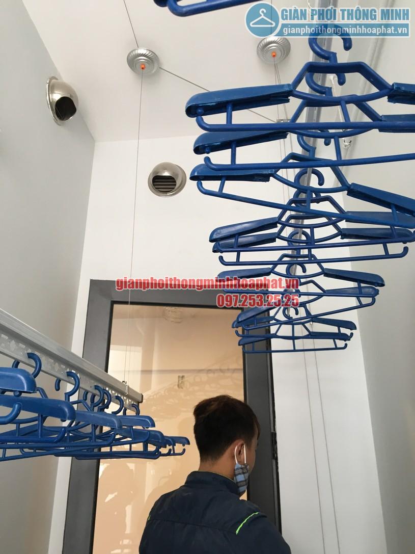 Lô gia thoáng đẹp nhờ lắp giàn phơi nhà anh Dự tầng 7, chung cư CT3 Gamuda-05