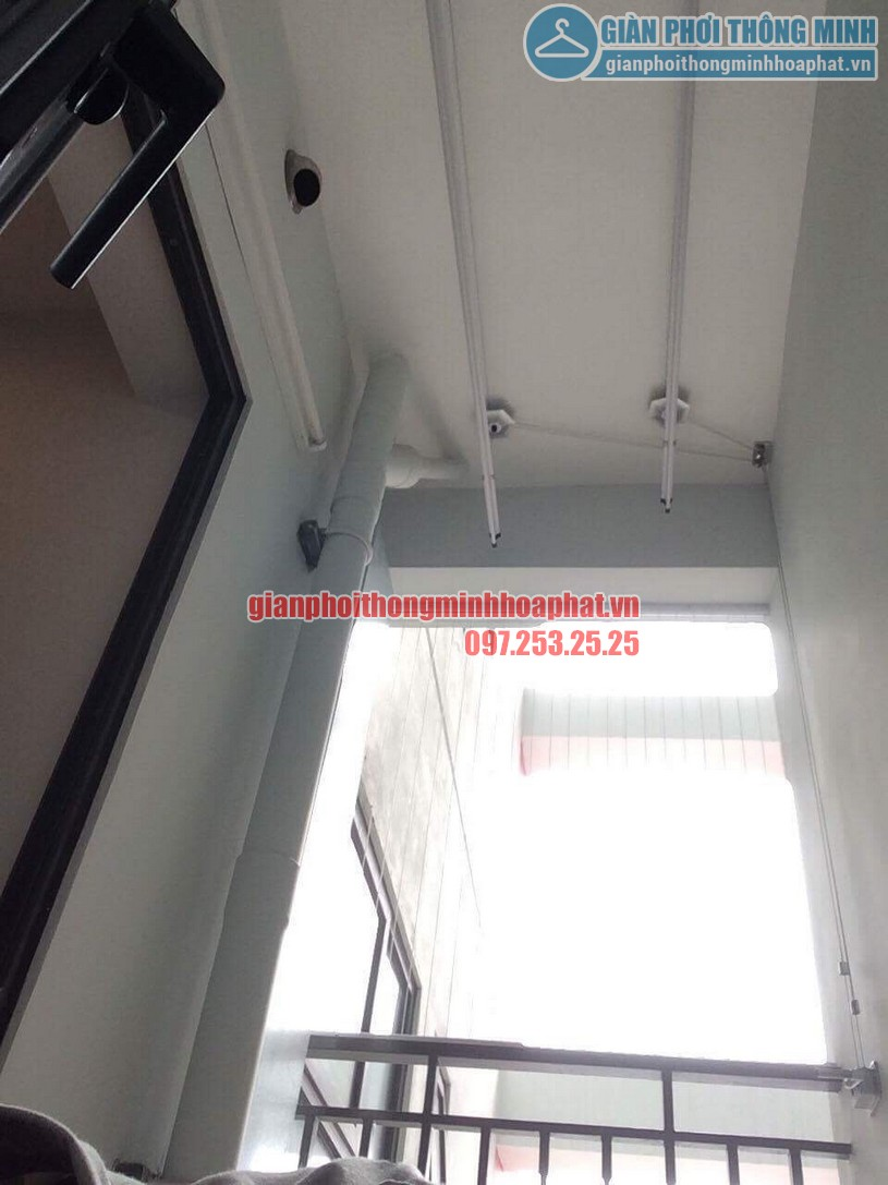 Bộ ròng rọc điều khiển thanh phơi gắn cố định trên trần nền bê tông-01