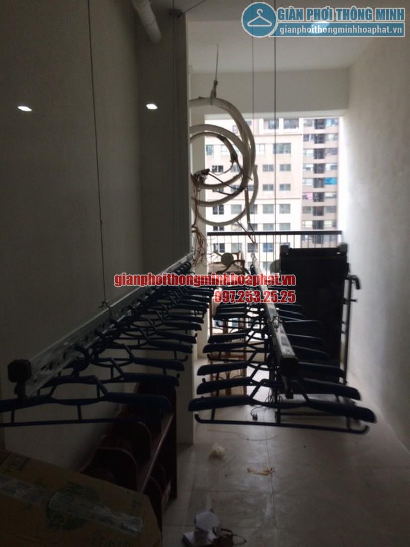Ngắm loạt ảnh thực tế lắp giàn phơi nhà cô Hà chung cư Complex Ngõ 102, Trường Trinh-01