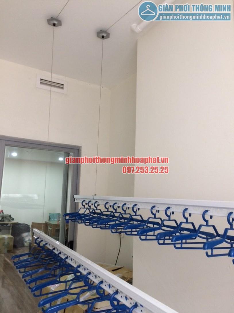 Ngắm loạt ảnh thực tế lắp giàn phơi nhà cô Hà chung cư Complex Ngõ 102, Trường Trinh-04