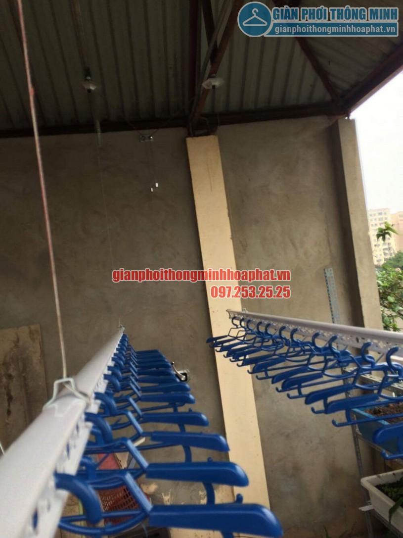 Lắp đặt giàn phơi trên nền trần mái tôn nhà anh Vinh số nhà 7A ngõ 85, Hạ Đình-05