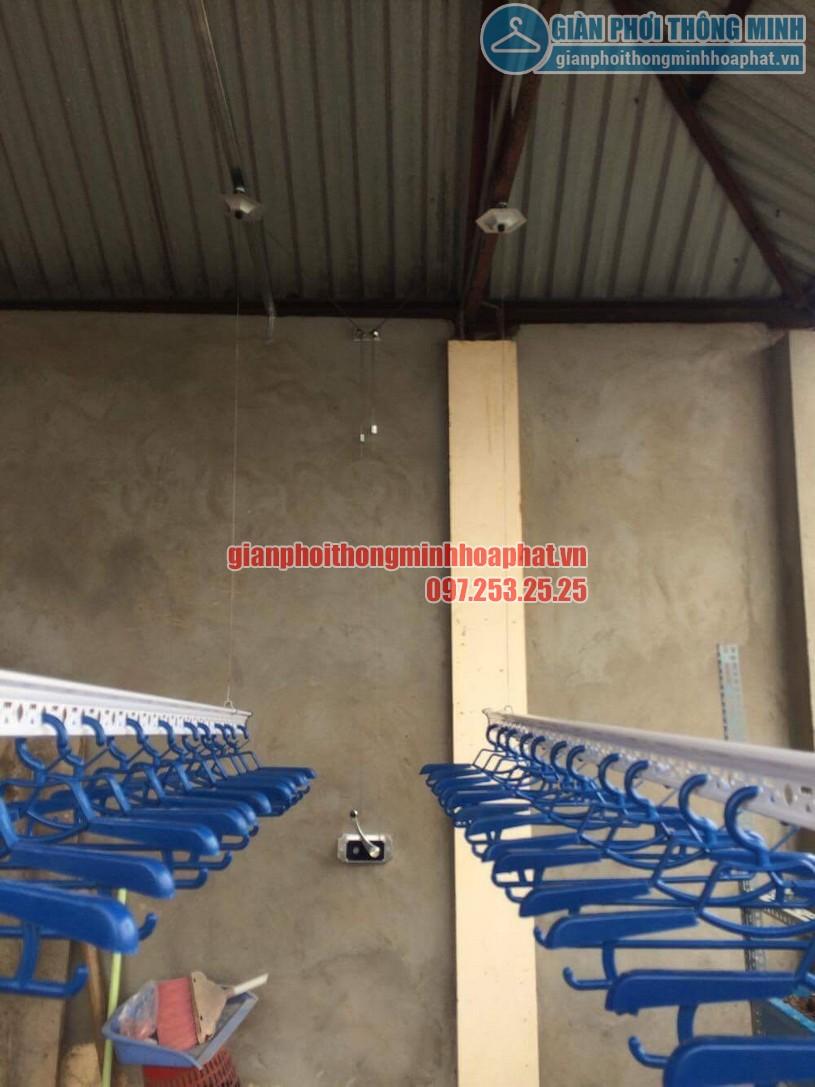 Lắp đặt giàn phơi trên nền trần mái tôn nhà anh Vinh số nhà 7A ngõ 85, Hạ Đình-04
