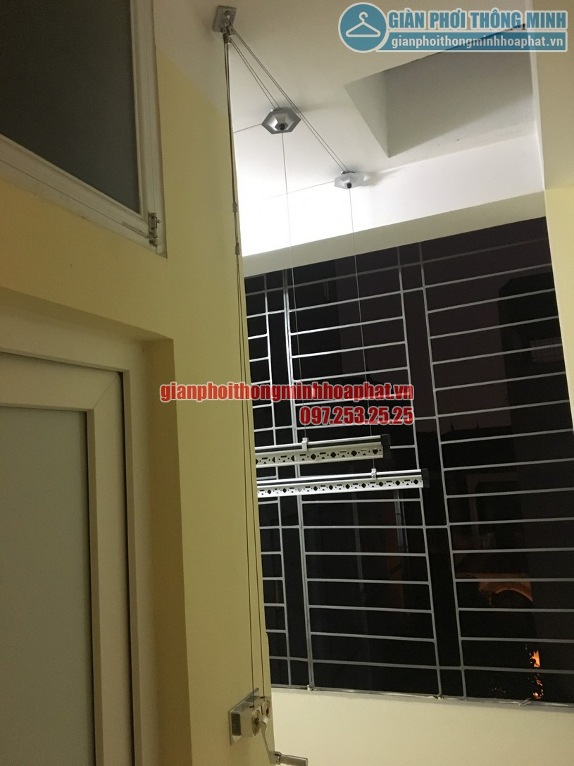 Lô gia thoáng đẹp nhờ lắp giàn phơi nhà anh Tùng ngõ 255 Lĩnh Nam, Hoàng Mai, Hà Nội-03
