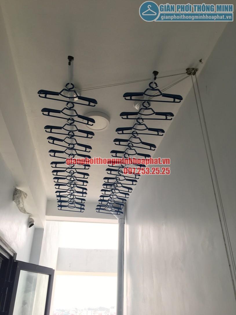 Lắp giàn phơi tại lô gia nhà chị Hiền chung cư Ngoại giao đoàn, Bắc Từ Liêm-04
