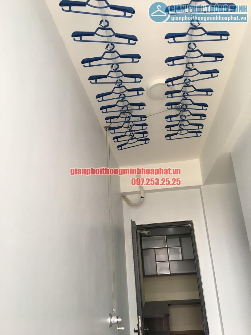 Lắp giàn phơi tại lô gia nhà chị Hiền chung cư Ngoại giao đoàn, Bắc Từ Liêm-02