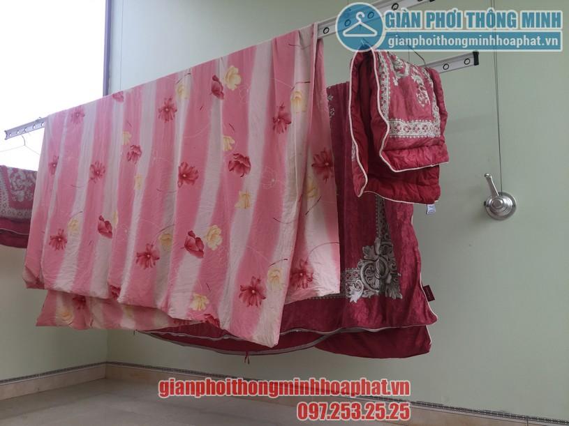 Phơi chăn màn dễ dàng nhờ lắp đặt giàn phơi thông minh nhà anh Quang, Cầu Giấy-05