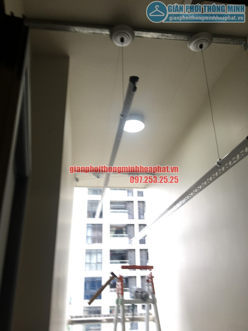 Lắp giàn phơi nhà anh Trung phòng 1606, tòa CT2B, chung cư Tràng An -07