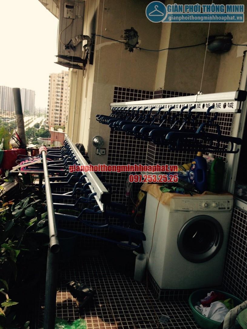 Lắp giàn phơi tại ban công nhà chị Chinh chung cư CT1A, Mỹ Đình 2-02
