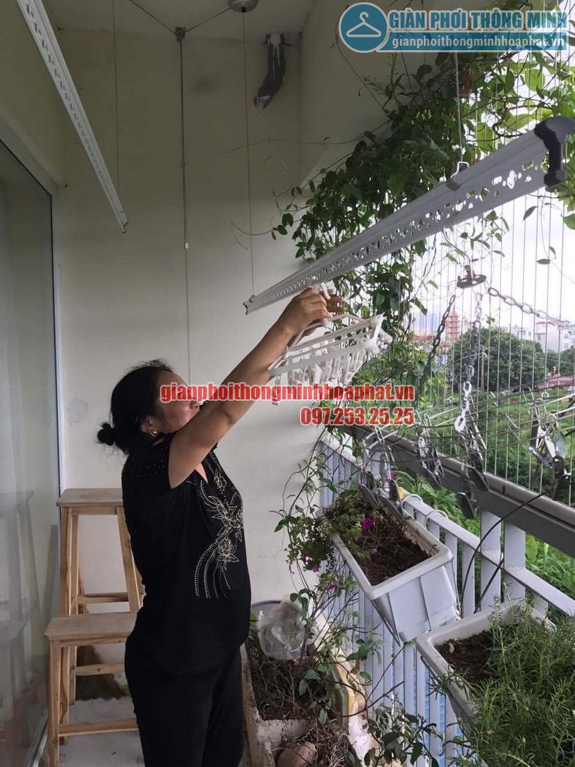 Lắp giàn phơi nhà cô Hương chung cư Viện 103, Văn Quán, Hà Đông- 01