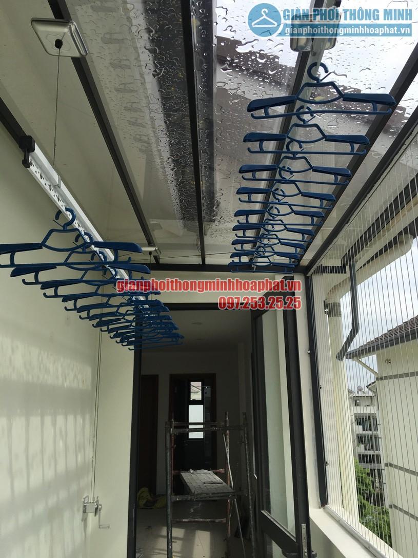 Lắp giàn phơi cho mái kính nhà anh Sáng khu LK32- Vinhomes Thăng Long-07