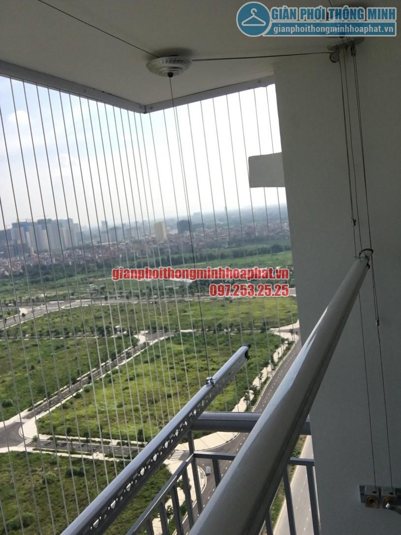 Lắp giàn phơi kết hợp lưới an toàn ban công nhà chị Trúc chung cư Ngoại Giao Đoàn -11