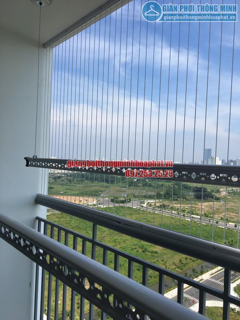 Lắp giàn phơi kết hợp lưới an toàn ban công nhà chị Trúc chung cư Ngoại Giao Đoàn -06