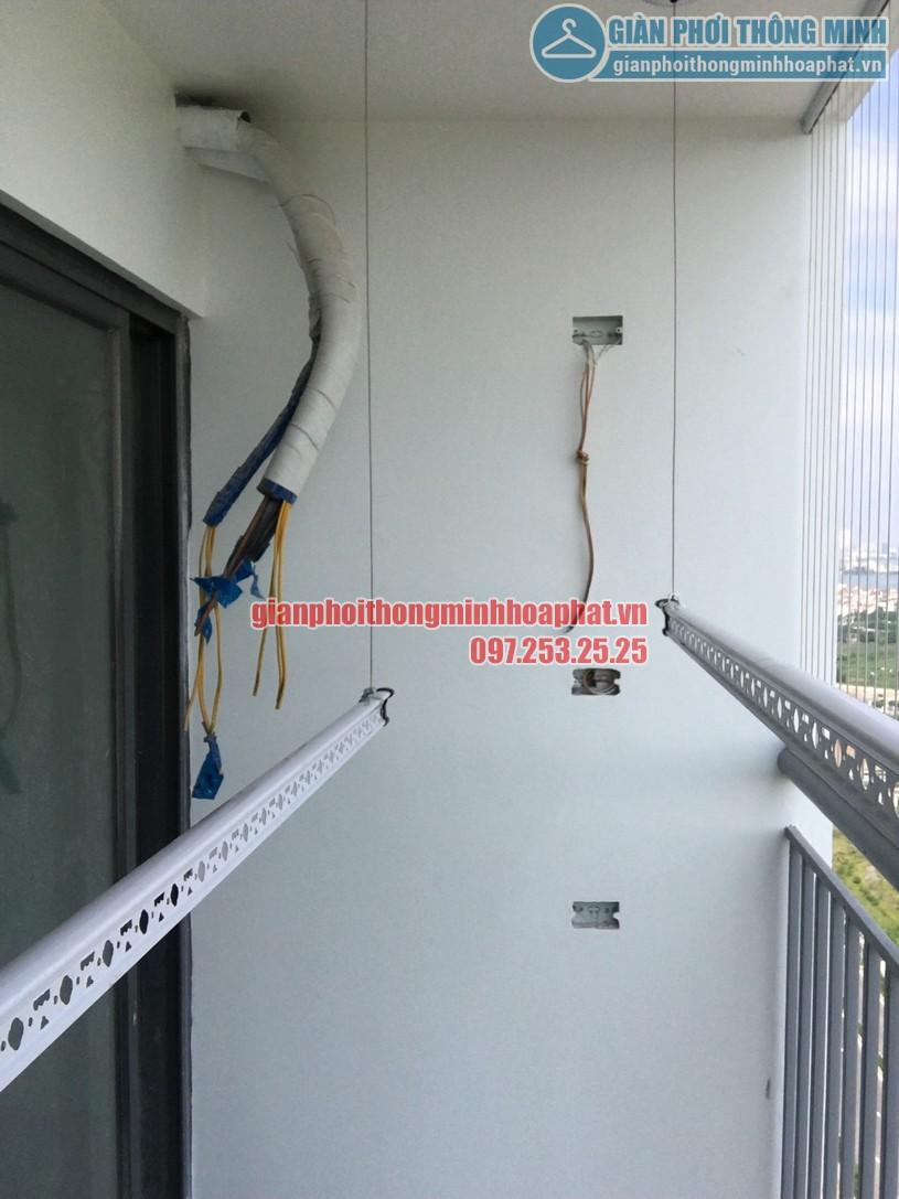 Lắp giàn phơi kết hợp lưới an toàn ban công nhà chị Trúc chung cư Ngoại Giao Đoàn -03