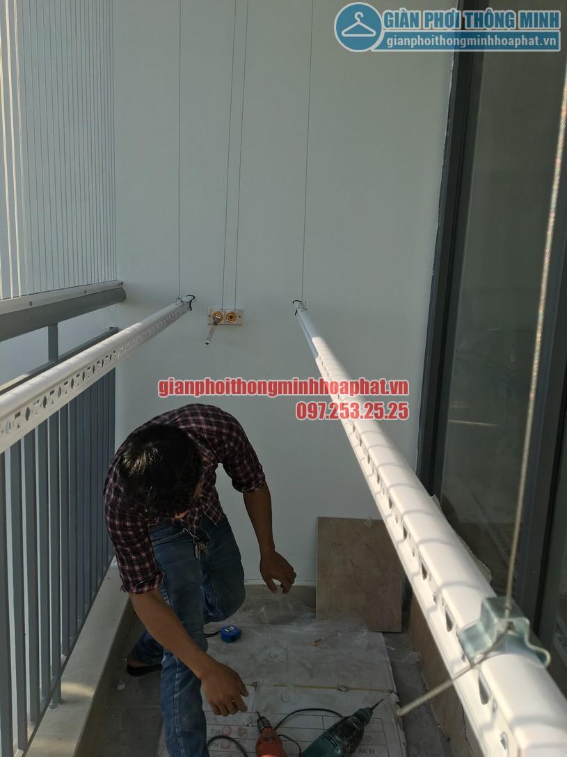 Ngắm giàn phơi và lưới an toàn ban công nhà bác Quý tòa N03 chung cư Ngoại Giao Đoàn-13