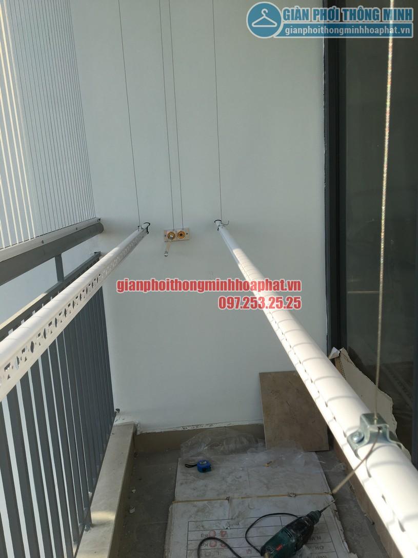 Ngắm giàn phơi và lưới an toàn ban công nhà bác Quý tòa N03 chung cư Ngoại Giao Đoàn-10