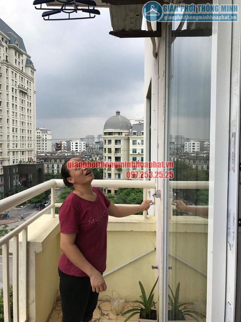 Sửa lỗi đứt dây cáp giàn phơi nhà cô Dĩnh CT2-2 khu đô thị Mễ Trì Hạ-08