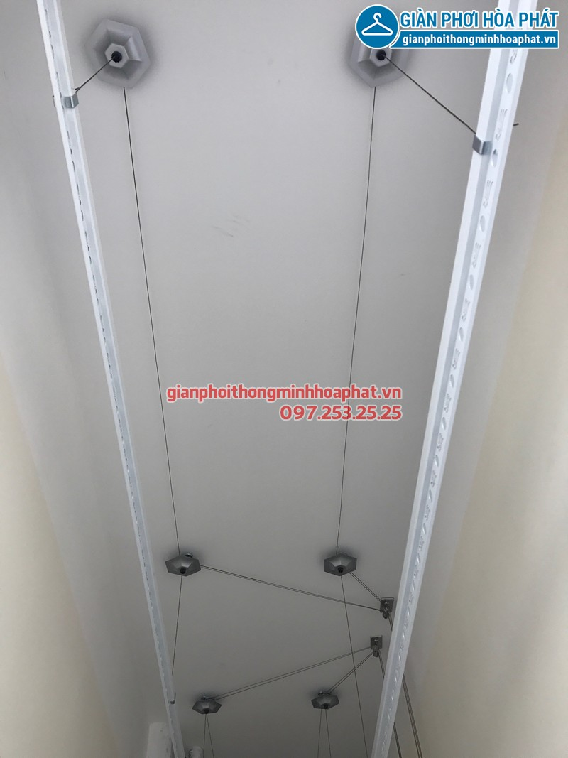 Hình ảnh thực tế bộ giàn phơi Hòa phát lắp tại lô gia nhà cô Lãnh