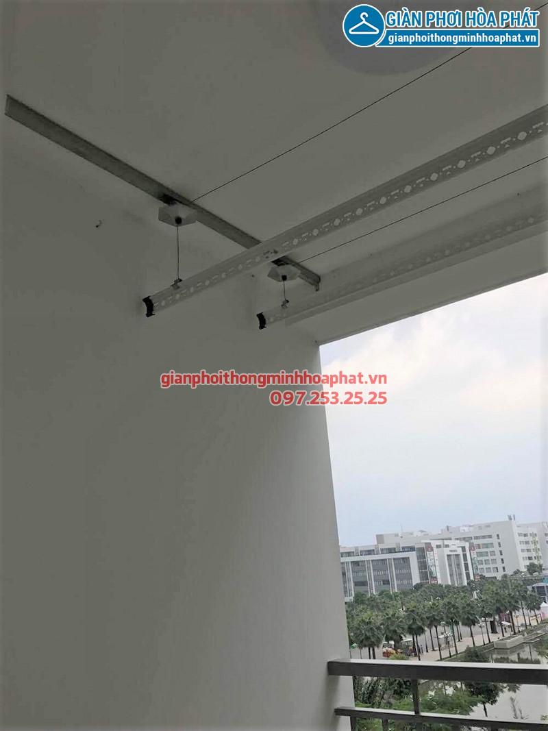 Hình ảnh thực tế của bộ giàn phơi Hòa Phát 999B tại ban công nhà anh Thịnh