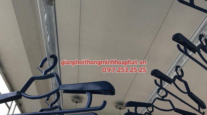 Lắp đặt giàn phơi thông minh Thanh Trì - bộ giàn phơi Hòa Phát HP950, nhà chị Lệ ngõ 222 Tựu Liệt