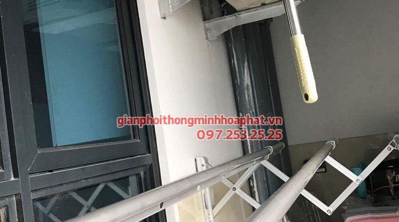 Lắp giàn phơi Cầu Giấy - bộ giàn phơi gắn tường 3 thanh, nhà cô Thạnh ngõ 266 Hồ Tùng Mậu