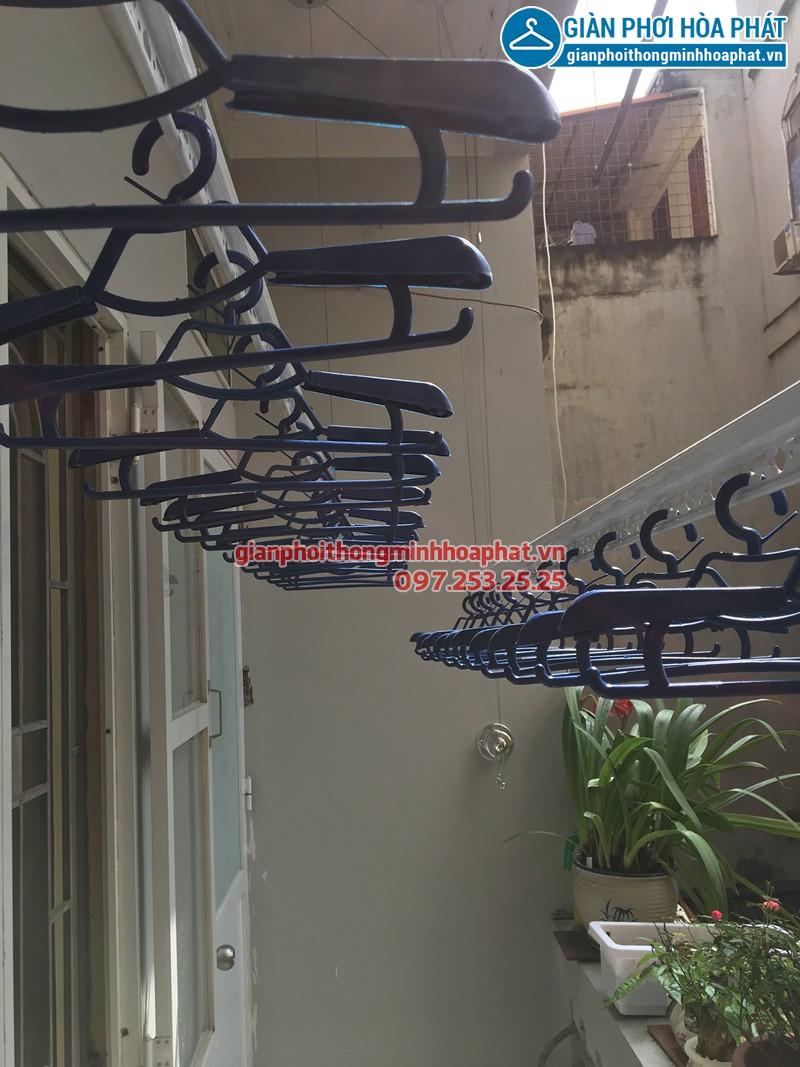 Lắp giàn phơi Đống Đa nhà cô Tình, bộ giàn phơi Hòa Phát HP701