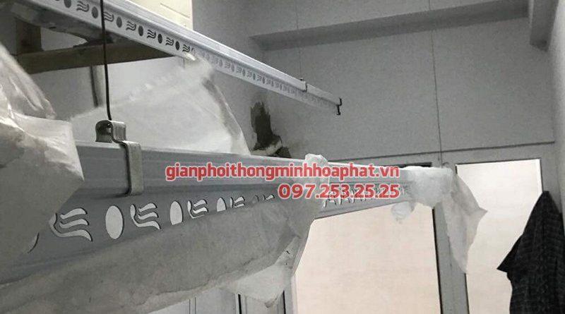 Lắp giàn phơi Hai Bà Trưng ở chung cư 622 Minh Khai nhà cô Thơm, bộ 999B