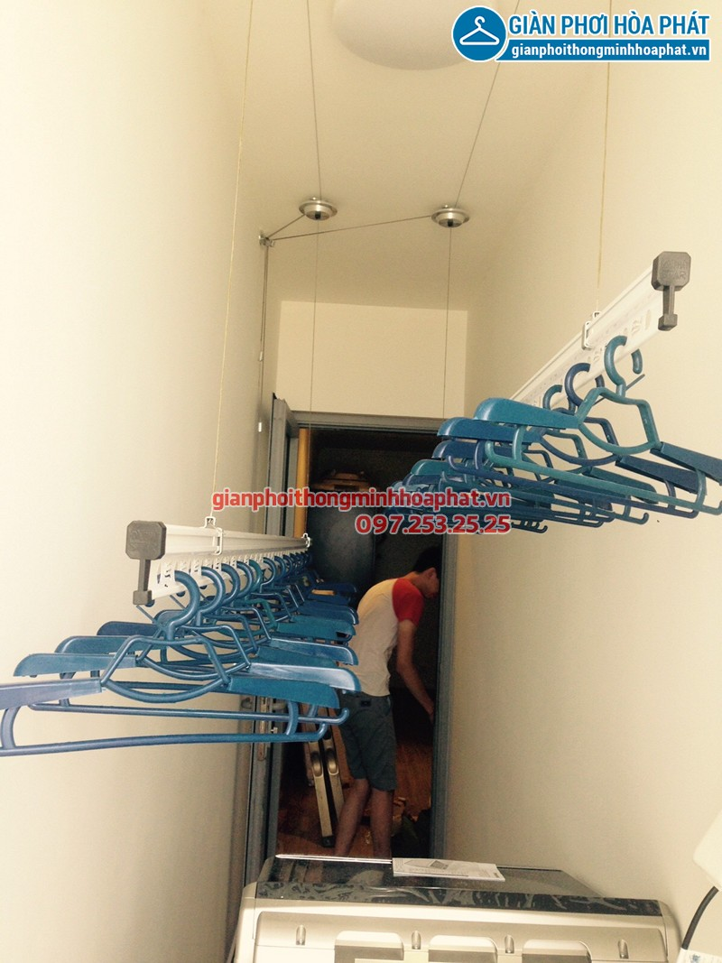 Lắp giàn phơi Hai Bà Trưng ở Park 5 Park Hill nhà cô Thược, bộ giàn phơi Hòa Phát HP 701