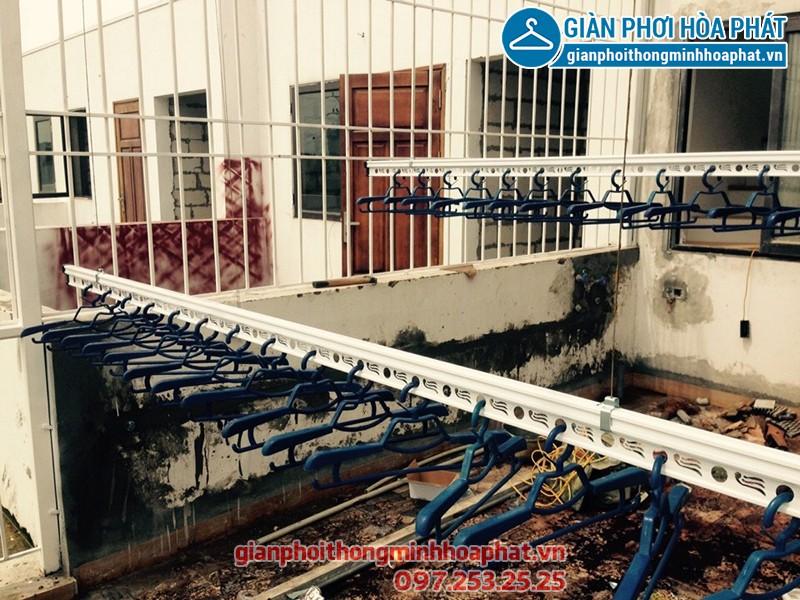 Lắp giàn phơi Hoàng Mai ở KĐT Ao Sào nhà cô Thúy, bộ giàn phơi Hòa Phát HP701
