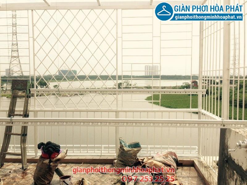 Lắp giàn phơi Hoàng Mai - bộ giàn phơi Hòa Phát HP701 nhà cô Thúy
