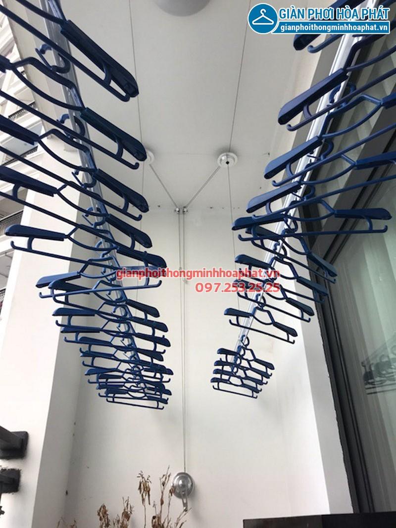Bộ giàn phơi Hòa Phát Air 701 nhà chị Hà tòa R4 Royal City
