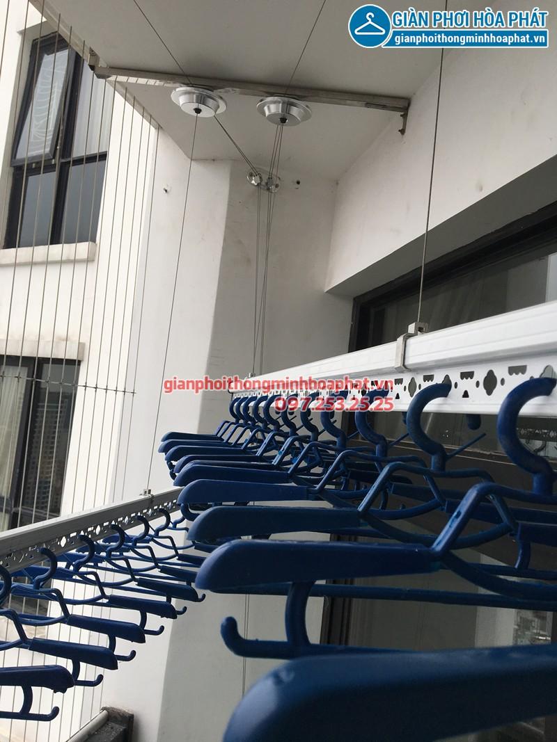 Lắp giàn phơi Thanh Xuân nhà chị Hồng ở tòa R4 Royal City