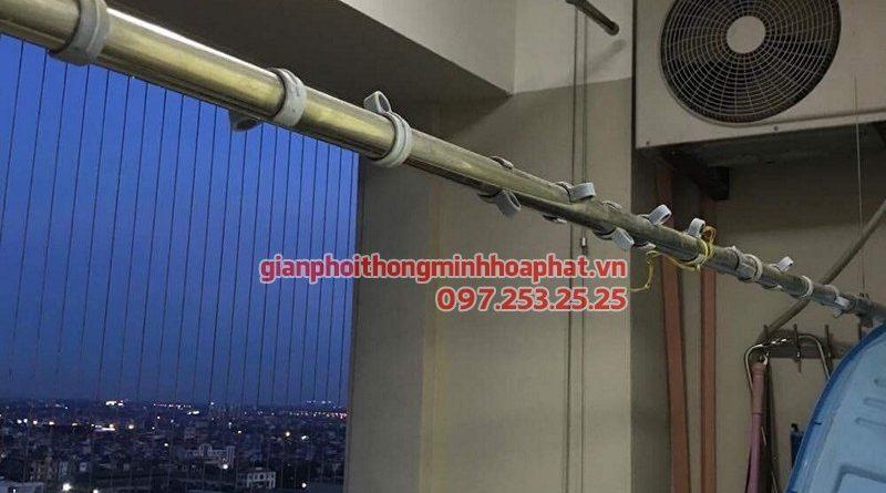 Thay dây cáp giàn phơi thông minh giá rẻ nhà chú Chiến ở CT10A Sài Đồng, Long Biên
