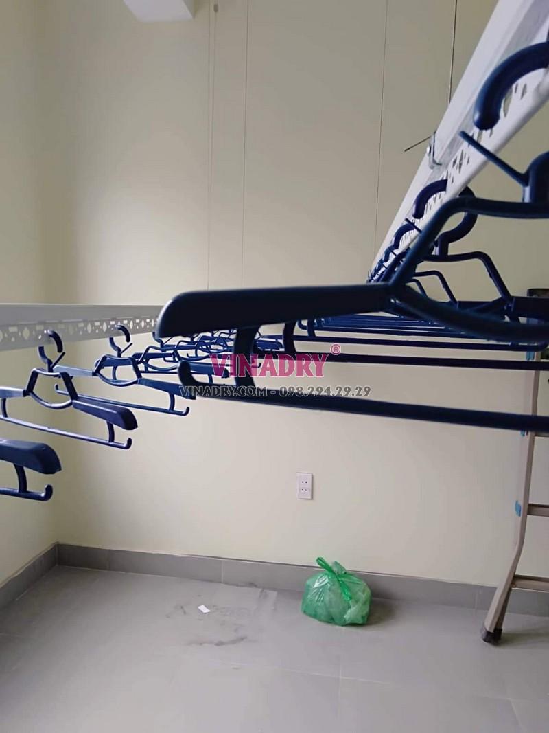 Lắp giàn phơi thông minh Hòa Phát tại Long Biên nhà chị Hoa ngõ 296 phố Bắc Cầu - 02