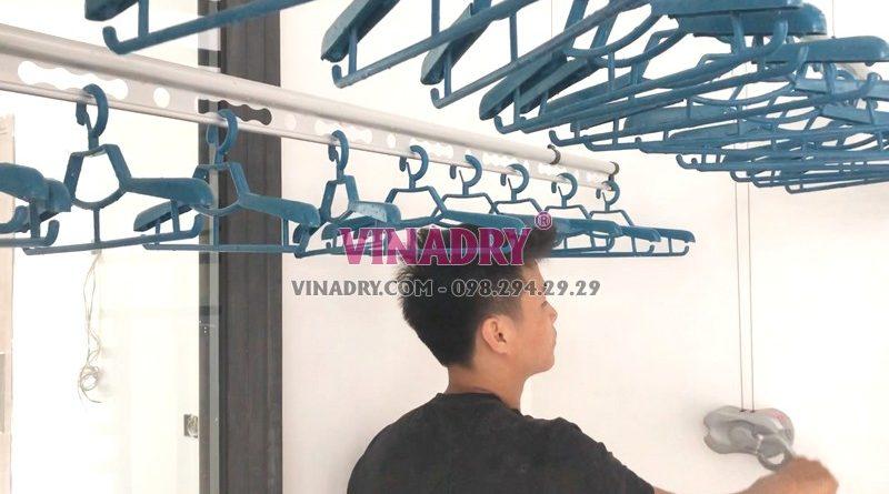 Mẫu giàn phơi Vinadry gp971 dễ điều khiển, quay nhẹ, êm