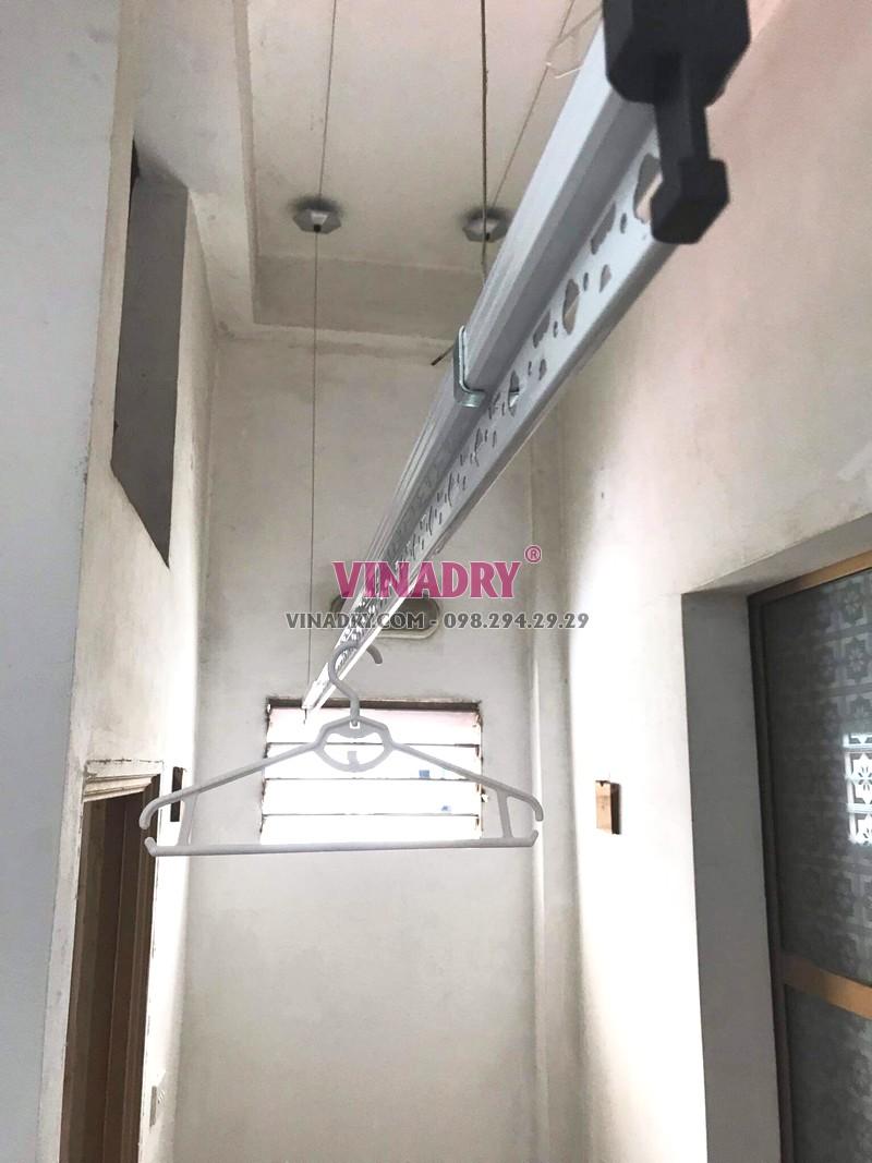 Lắp giàn phơi Hòa Phát KS950 tại 65 Lạc Trung, Hai Bà Trưng, Hà Nội nhà chị Hiên - 01