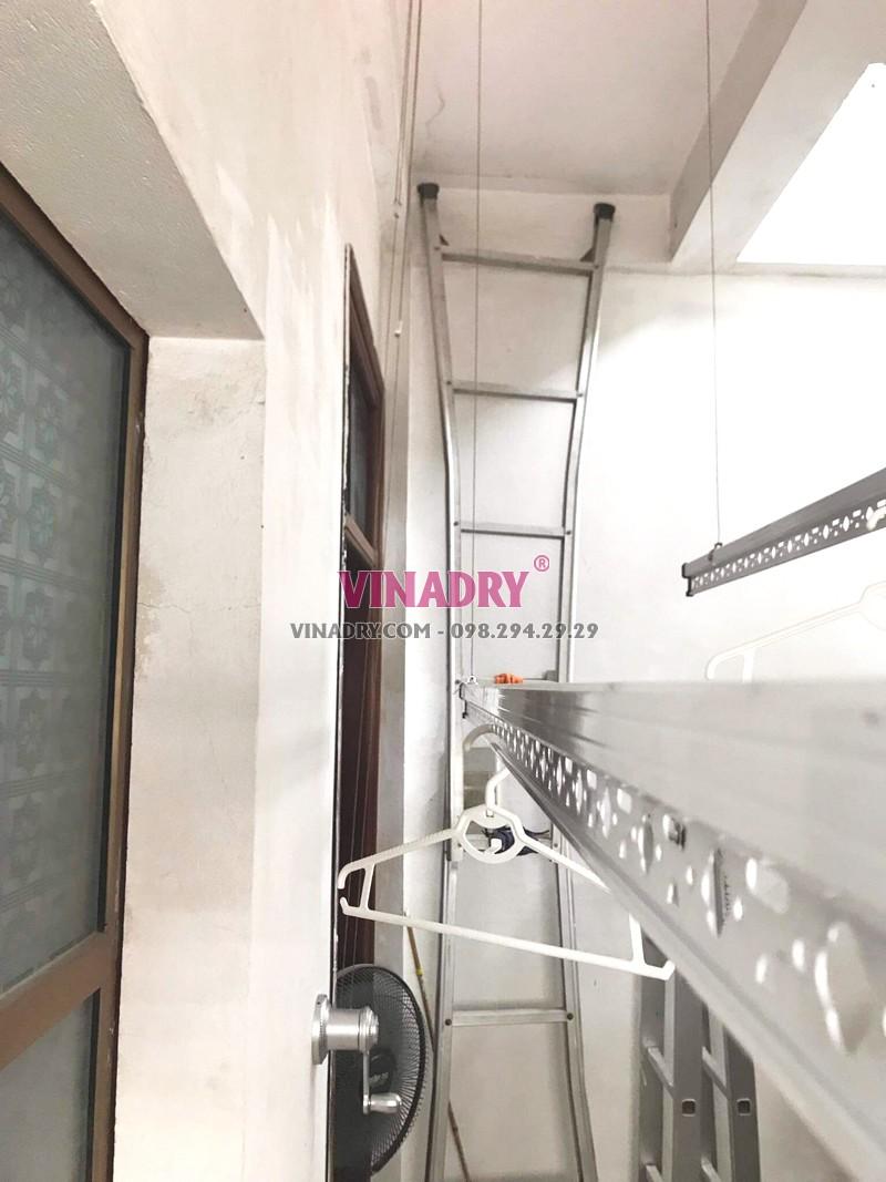 Lắp giàn phơi Hòa Phát KS950 tại 65 Lạc Trung, Hai Bà Trưng, Hà Nội nhà chị Hiên - 03