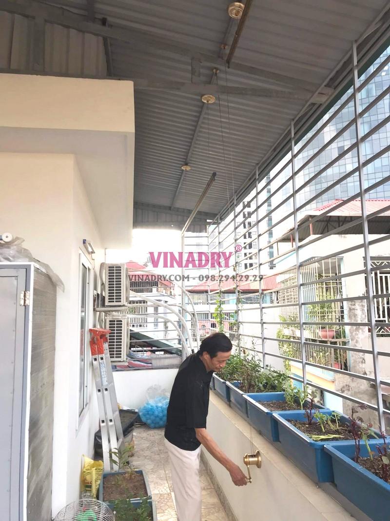 Lắp giàn phơi cho trần mái tôn nhà chú Thụy, ngõ 255 Cầu Giấy, Hà Nội - 01