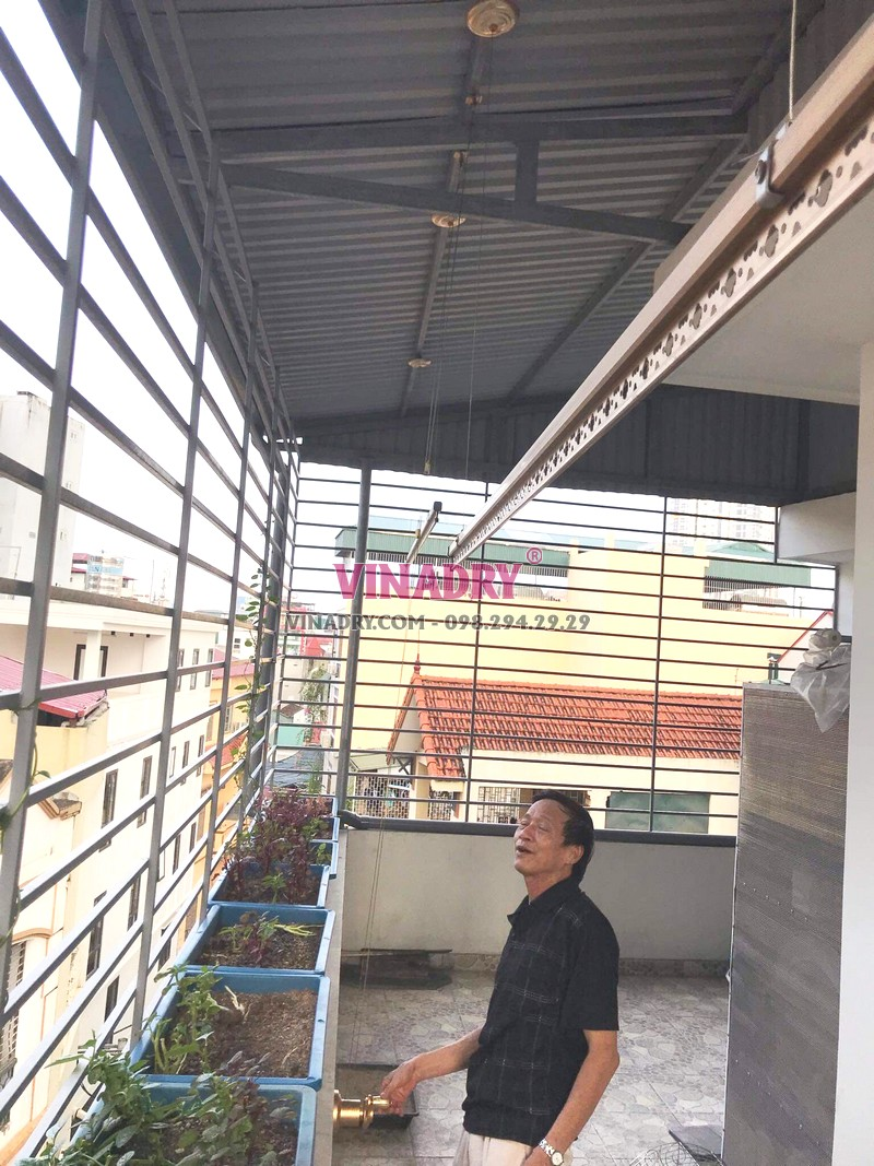Lắp giàn phơi Cầu giấy bộ Hòa Phát KG900 nhà chú Thụy, ngõ 255