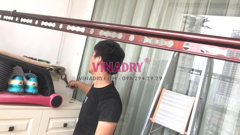 Lắp giàn phơi tại Cầu giấy nhà chị Nhung, bộ Vinadry GP972 - 06