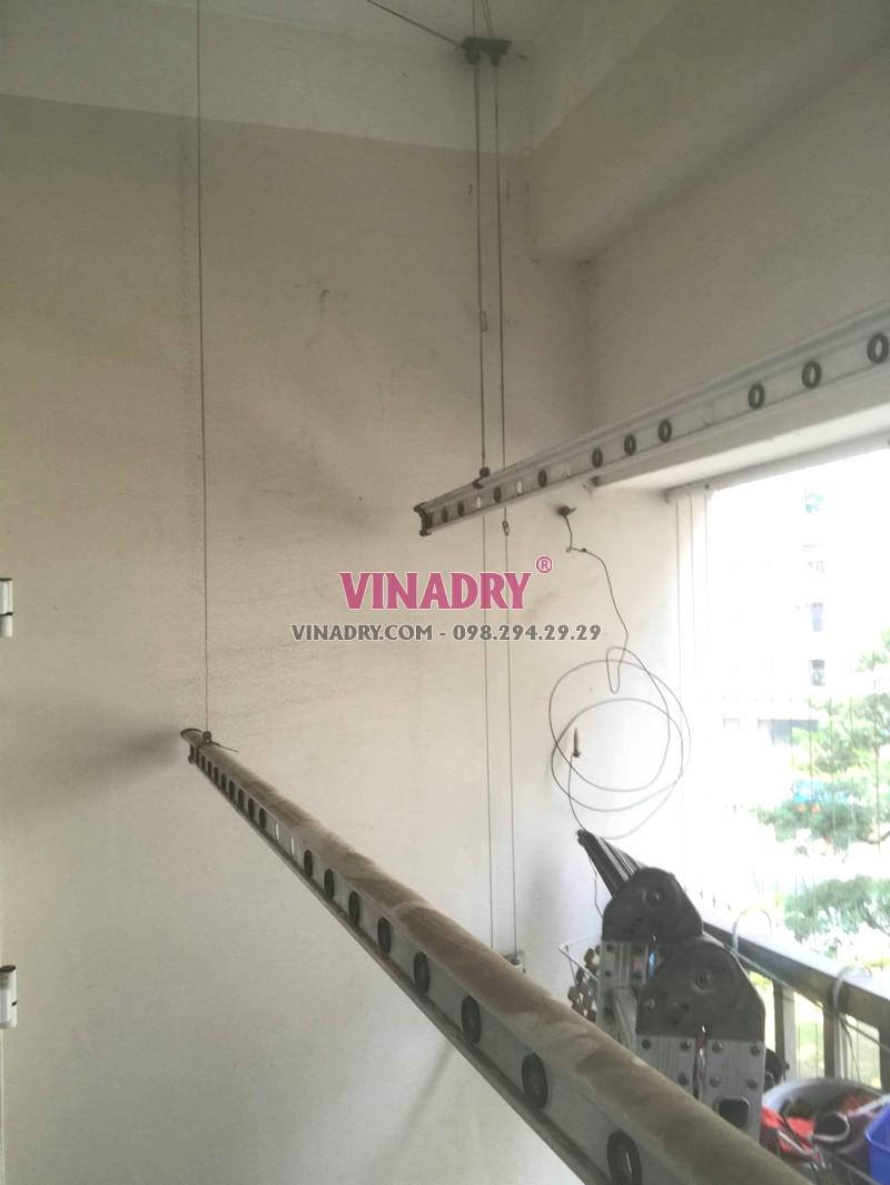 Thay dây cáp giàn phơi giá rẻ tại Hà Đông nhà anh Toán, tòa HH2E Dương Nội - 07