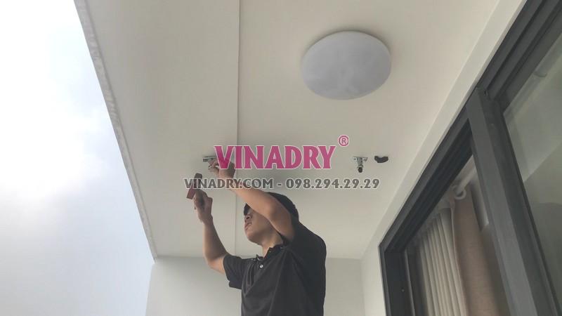 Cách lắp giàn phơi cho ban công trần thạch cao chung cư Vinhomes Green Bay - 01