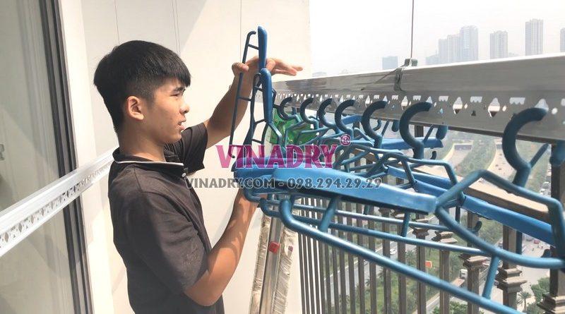 Lắp giàn phơi thông minh tại Vinhomes Green Bay Mễ Trì nhà anh Tùng bộ Vinadry GP902 - 03
