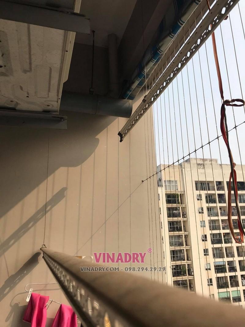 Sửa giàn phơi thông minh tại Thanh Xuân: thay dây cáp giàn phơi nhà chị Hoa, Chung cư 17T3 HAPULICO, cổng số 4 - 2