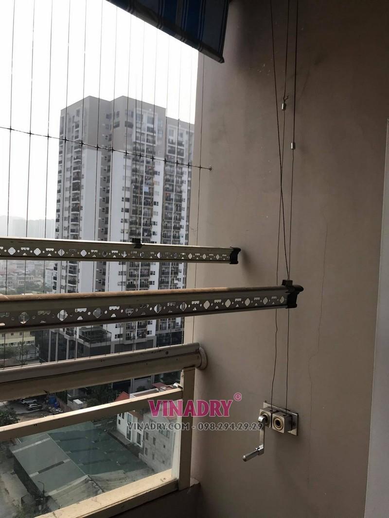 Sửa giàn phơi thông minh tại Thanh Xuân: thay dây cáp giàn phơi nhà chị Hoa, Chung cư 17T3 HAPULICO, cổng số 4 - 5